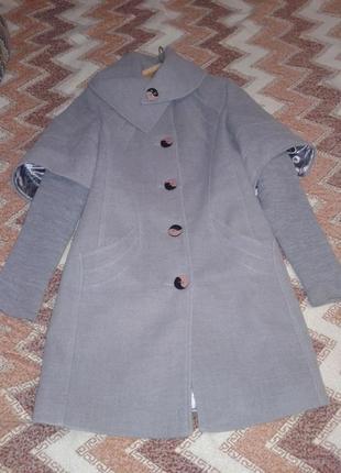 Весенне-осенее теплое пальто