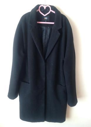 Чорне кашемірове пальто бойфренд