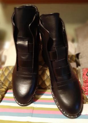 Демисезонные кожаные ботинки 39 р3 фото