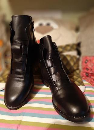 Демисезонные кожаные ботинки 39 р7 фото