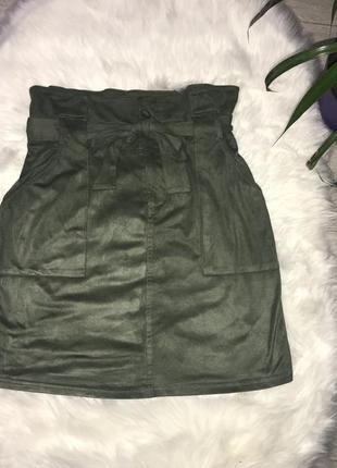 Замшевая юбка цвета хаки