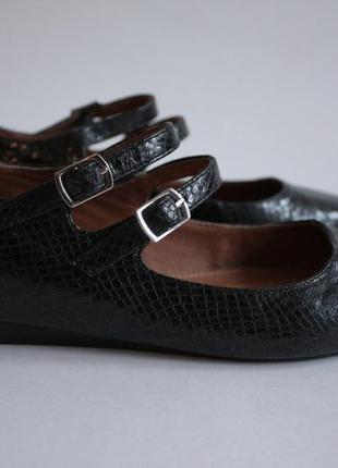 Туфли балетки с ремешками на низком каблуке ходу next 36 размера.2 фото