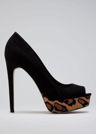 Черные туфли лодочки с открытым мысом на леопардовой платформе от bershka 38 размер.
