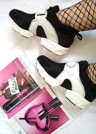 🌟 крутые кроссовки  🌟 (нюанс на фото) 37 размер 23,5см