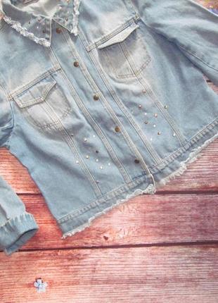 Всегда необходимая вещь-джинсовая куртка