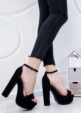 Новые шикарные чёрные босоножки на высоком каблуке
