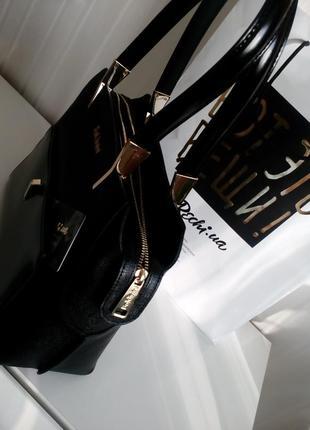 Черная сумка baldinini с внешним карманом из глянцевой кожи, упаковка чек ярлык7 фото