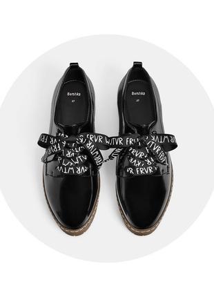 Новые крутые туфли bershka, р.37 на 23,5 см.1 фото