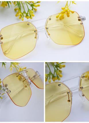Солнцезащитные очки - оригинальная, трендовая модель в желтом цвете