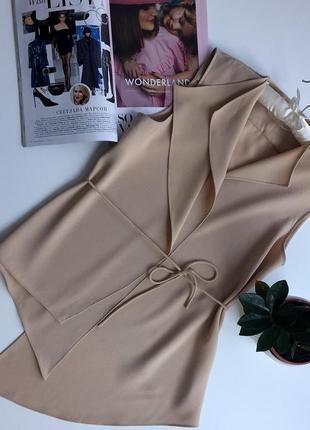 Кардиган-жилет базового бежевого цвета очень стильного асимметричного кроя бренд zara