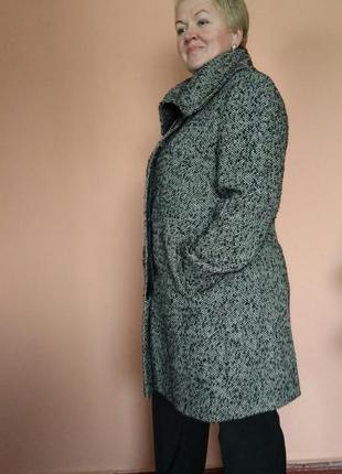 Стильное пальто классика