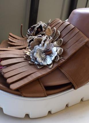 Модные кожаные босоножки сандали туфли тракторная подошва maca kitzbühel 39