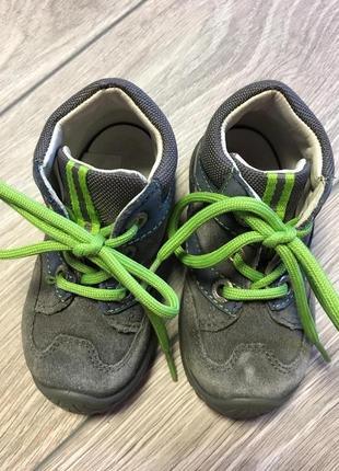 Демисезонные ботинки superfit р20 .