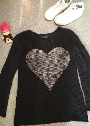 Чёрный свитер с принтом