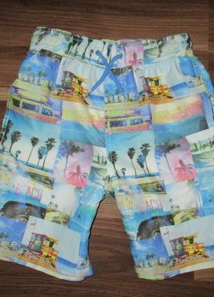 Хорошенькие пляжные шортики фирмы джорж на 6-7 лет