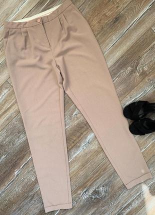 Стильные брюки пудрового цвета