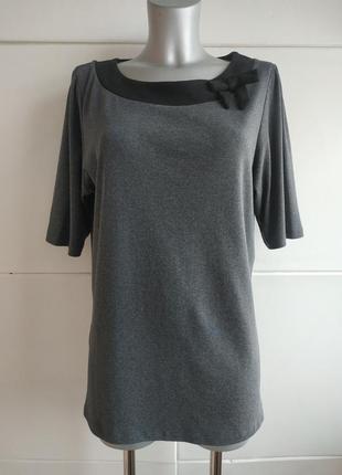 Элегантная футболочка laura ashley серого цвета с бантиком