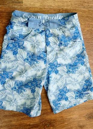 Яркие легкие шорты