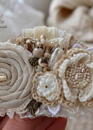 Заколка ′топленое молоко′, текстильная заколка ручной работы, вязаная заколка в стиле бохо