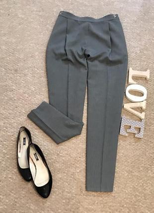 Серые брюки в вертикальную полоску bhs