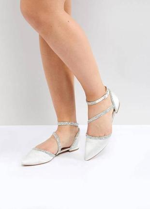 Атласные балетки с острым носком и камнями асос asos