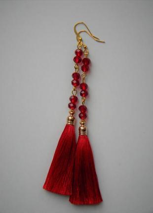 Красные серёжки кисточки с красными стеклянными камнями