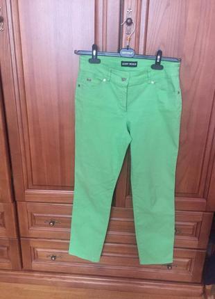 Шикарные яркие брюки бренд gerry weber 40 размер джинсы