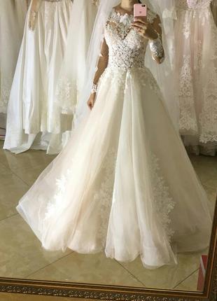 Свадебное платье. ультра модное.1 фото