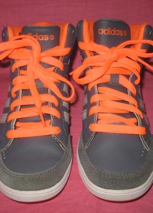 Фирменные кожаные кроссовки adidas (оригинал) - 32 размер