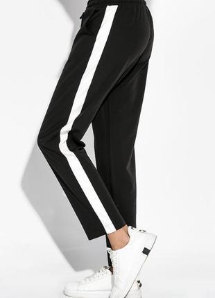 Спортивные штаны с полосками с лампасами
