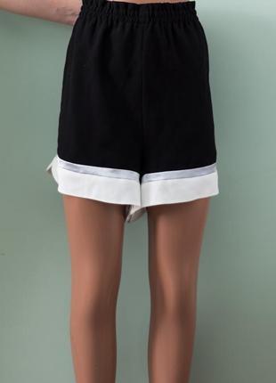 Новые стильные шорты для пышной дамы