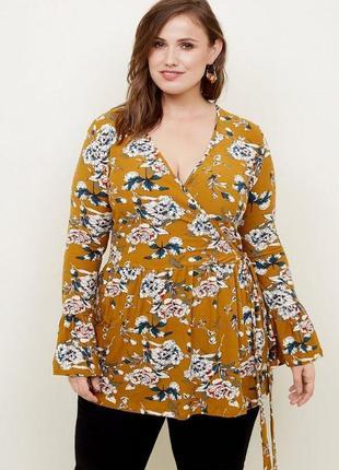 Блуза на запах с запахом с цветочным принтом большого размера