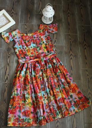 Винтажное платье сарафан миди с цветочным принтом и пуговицами с поясом