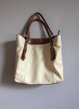 Бежевая сумка шоппер, кожа с коричневыми ручками