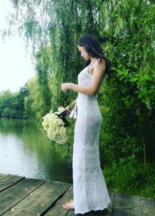 Длинное вязаное платье с изысканным ажурным узором bonprix