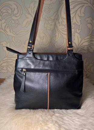 Кожаная сумка на плечо.