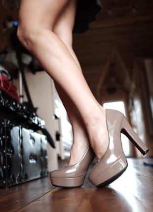 Красивенные лаковые туфли