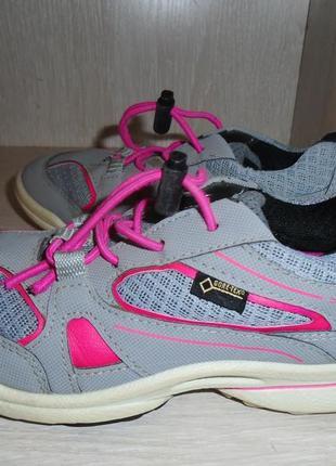 Классные кроссовки ecco biom на девочку