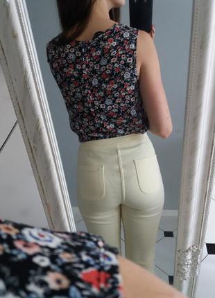 Светло желтые скини джинсы леггинсы высокая талия