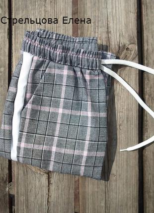 Стильные ,повседневные серые брюки в клетку с лампасами ,англ.длина 3 расцветки  размеры2 фото