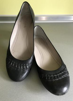 Удобные кожаные туфли балетки чёрного цвета