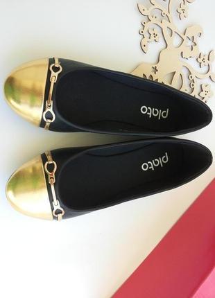 Балетки черные с золотистым носочком от plato 37-го - 40-го размеров. супер низкая цена