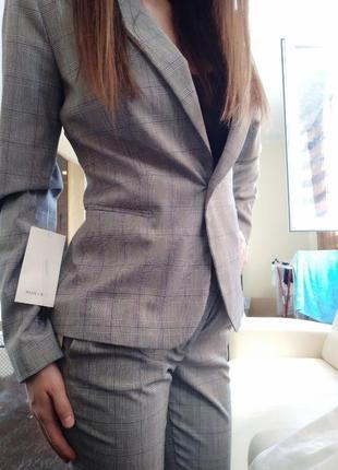 Жіночий костюм zara
