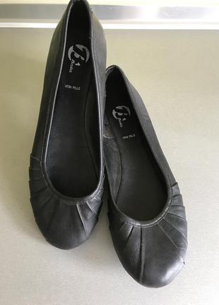 Удобные практичные туфли балетки чёрного цвета