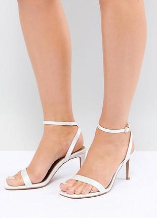 Нежные босоножки на каблуке асос asos