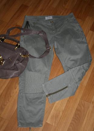 Стильные американские брюки джинсы со стильной фурнитурой и гофрировкой mos mosh