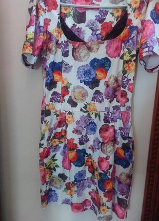 Милое платье в цветах
