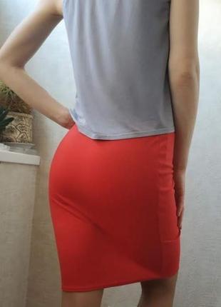 Трикотажная юбка-карандаш красная3 фото