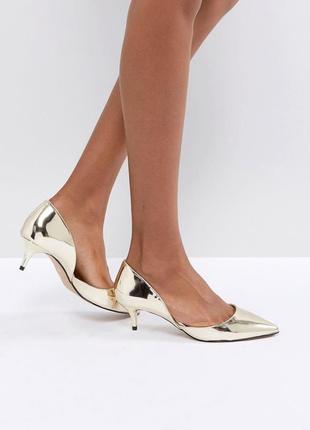 Золотистые туфли лодочки на каблуке-рюмочке с острым носом aldo adylia