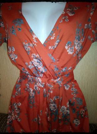 Летнее платьице в цветочки сочного апельсинового оттенка